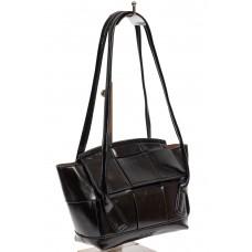 На фото 1 - Небольшая сумка-трапеция из искусственной кожи, цвет чёрный графит