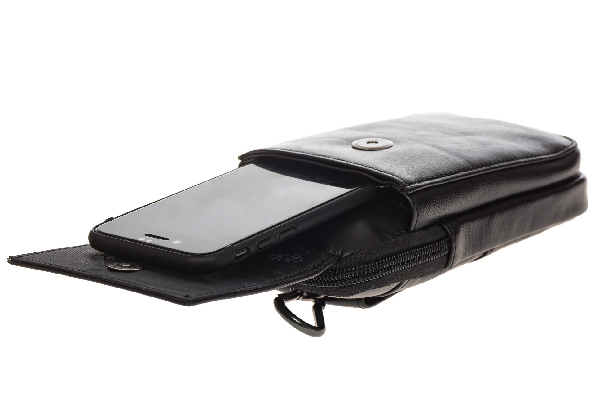 На фото 4 - Мужская сумка из натуральной кожи на поясной ремень