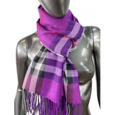 На фото 1 - Кашемировый шарф-палантин с бахромой в клетку, цвет ярко-фиолетовый