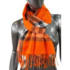 На фото 1 - Кашемировый шарф-палантин с бахромой в клетку, цвет оранжевый