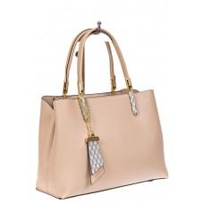 На фото 1 - Женская сумка тоут из кожзама с подвеской, цвет бежевый