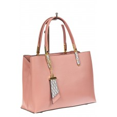На фото 1 - Женская сумка тоут из кожзама с подвеской, цвет розовый