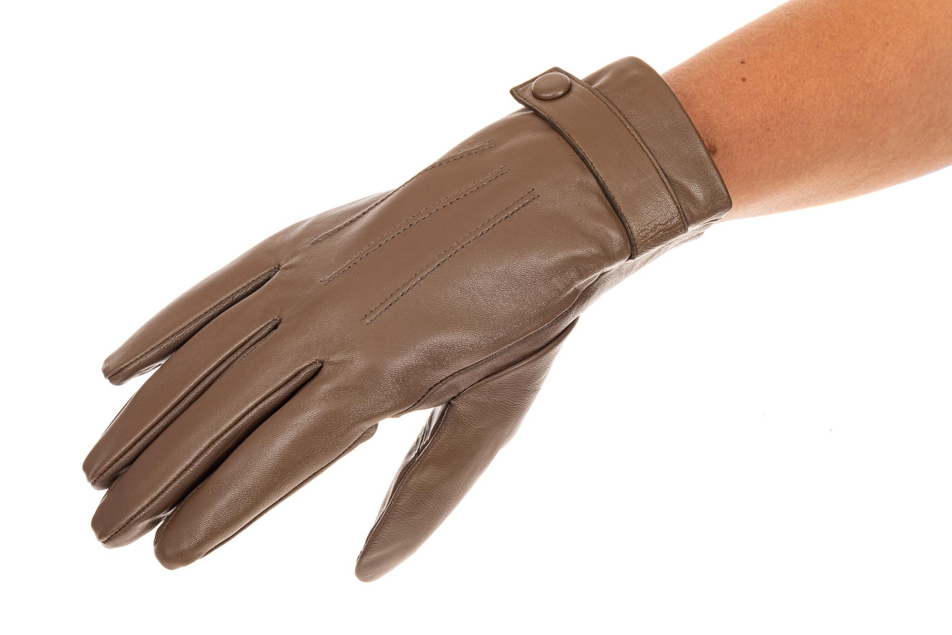 На фото 1 - Перчатки женские кожаные, размер M.L , цвет бежевый