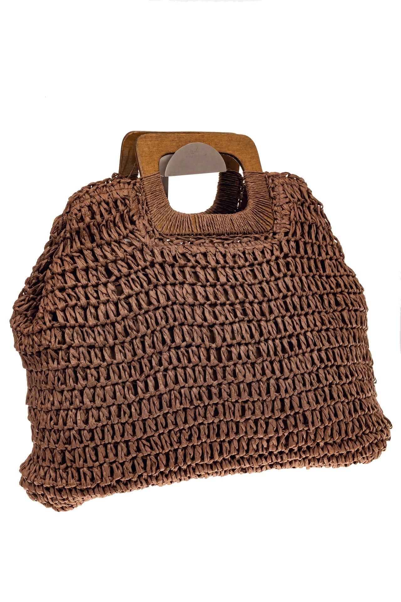 На фото 1 - Плетеная сумка-авоська из джута с деревянными ручками, цвет коричневый