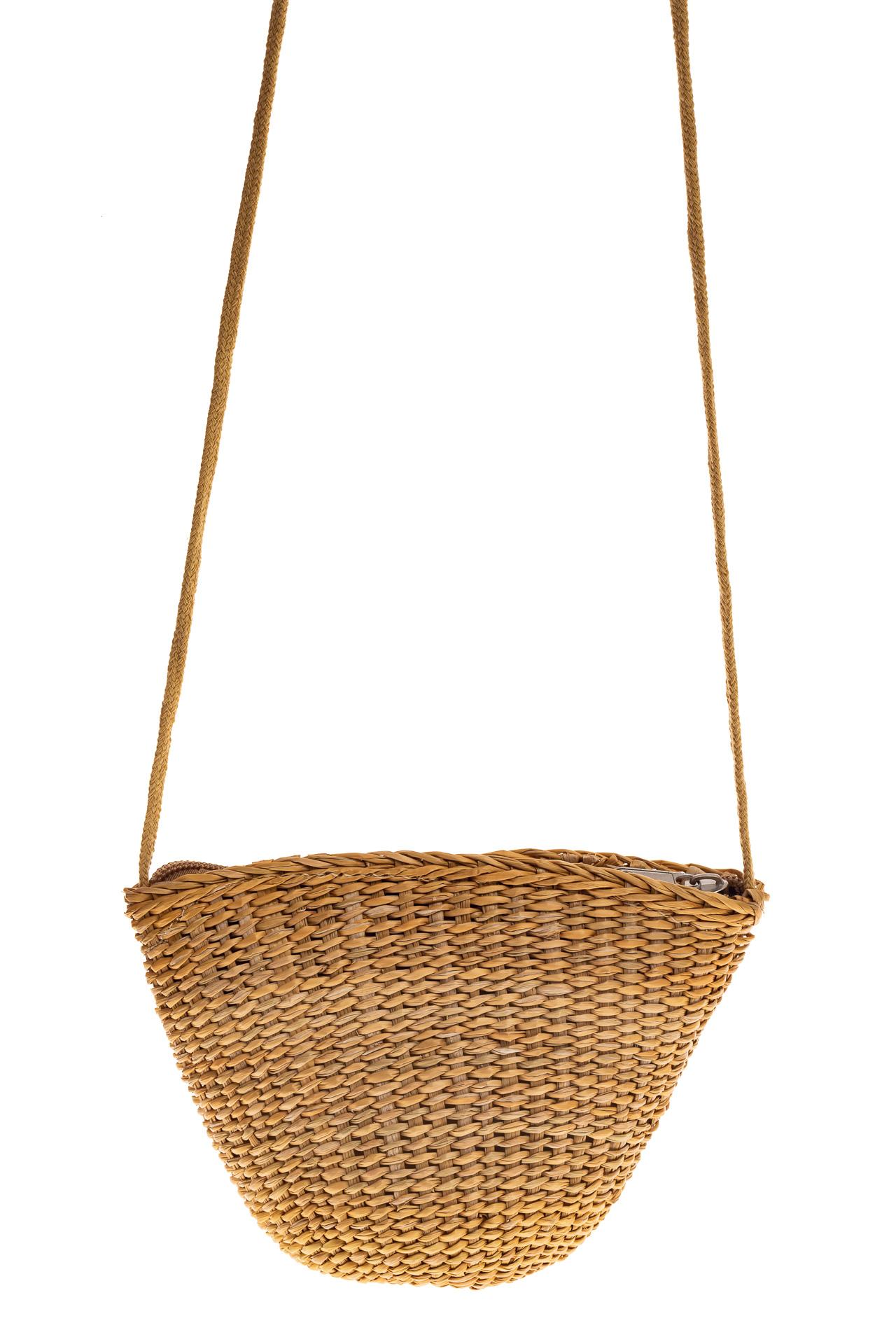 На фото 2 - Женская маленькая сумка на лето из соломки, цвет крафт