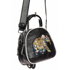 На фото 1 - Оригинальная сумка-рюкзак из искусственной кожи, цвет чёрный