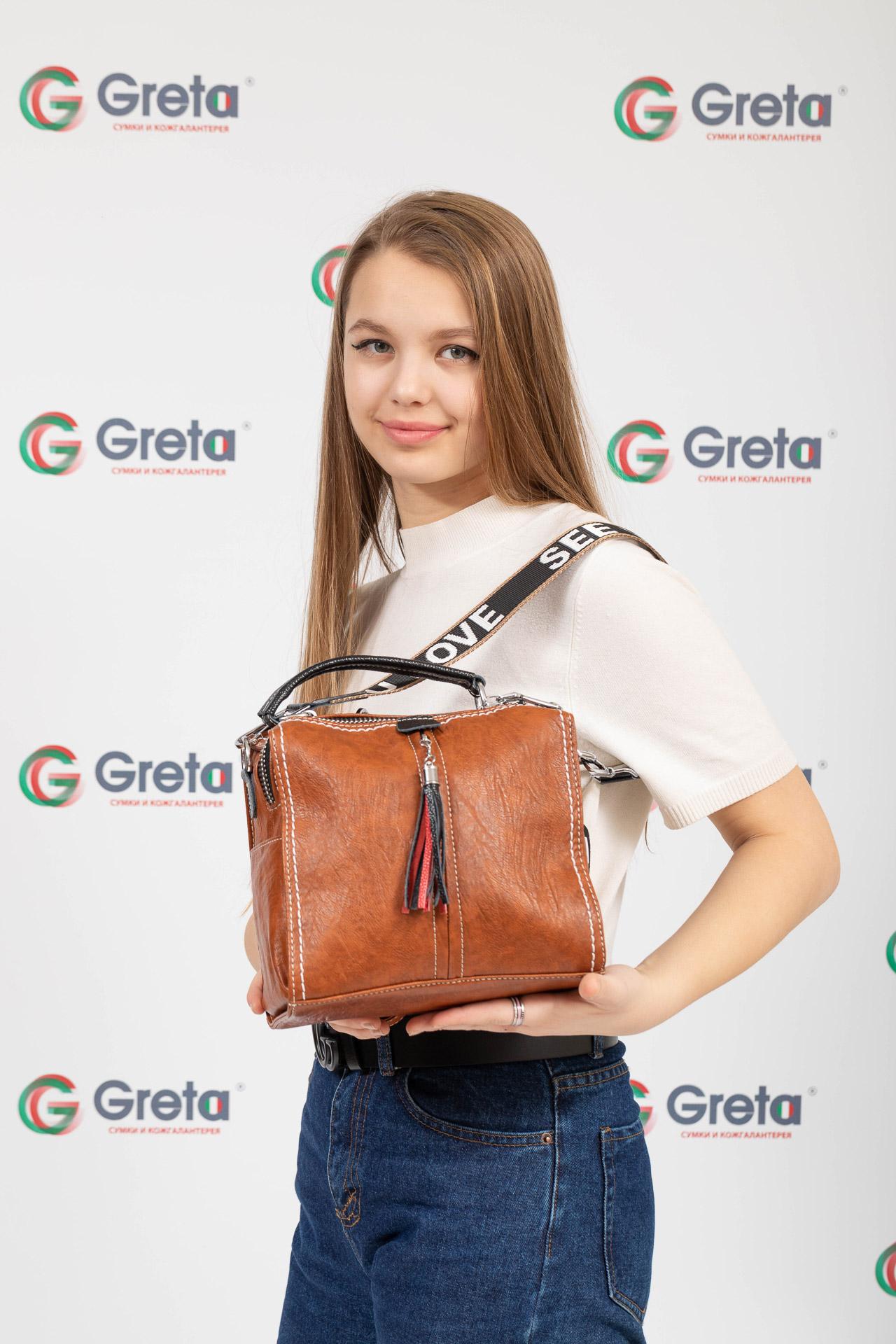 На фото 4 - Сумка рюкзак-трансформер из искусственной кожи, цвет коричневый
