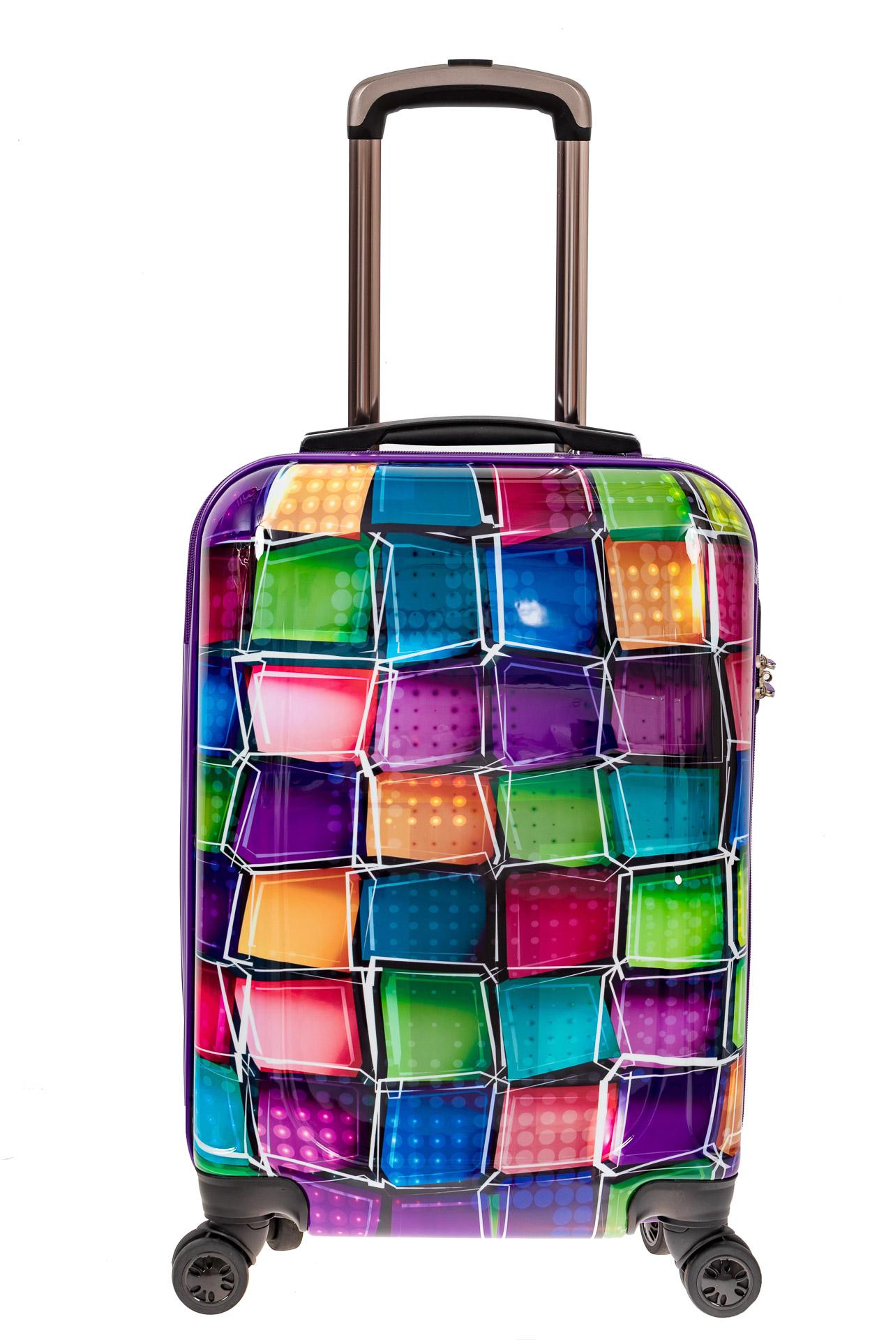 На фото 2 - Небольшой прочный пластиковый чемодан с яркой 3D расцветкой