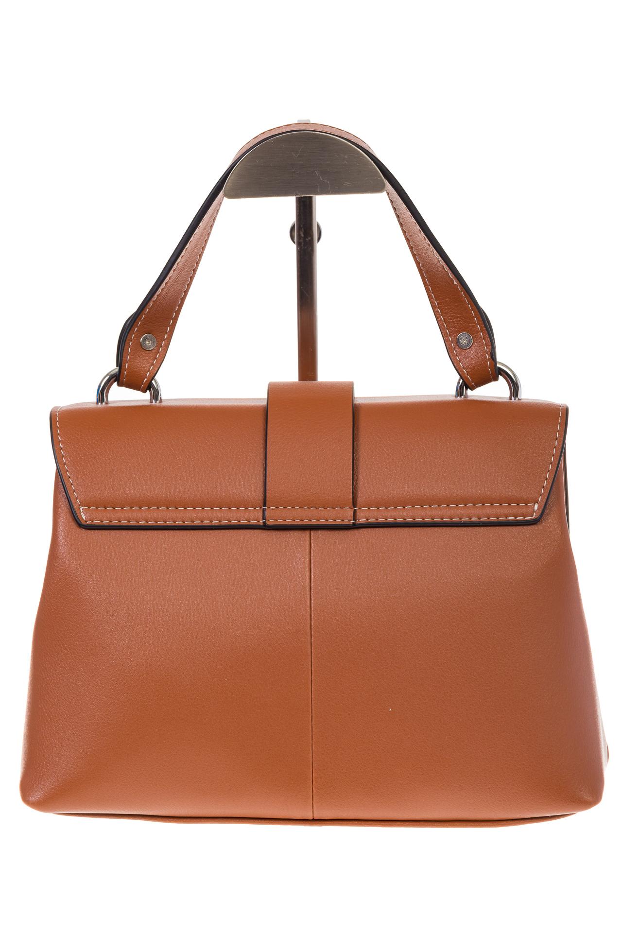 На фото 3 - Кожаная сумка коричневого цвета 3031AK