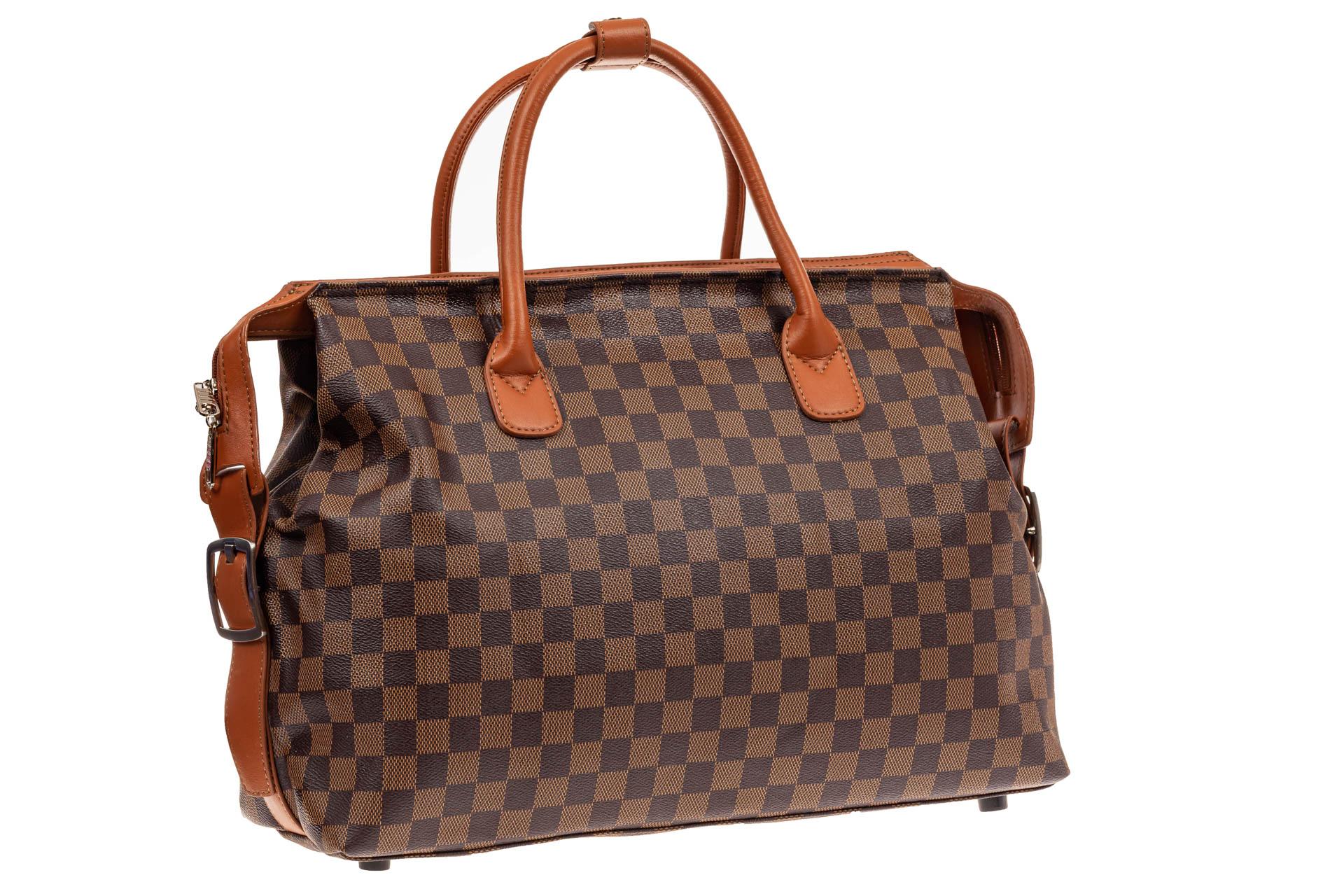 На фото 1 - Багажная сумка саквояж из искусственной кожи, цвет коричневый