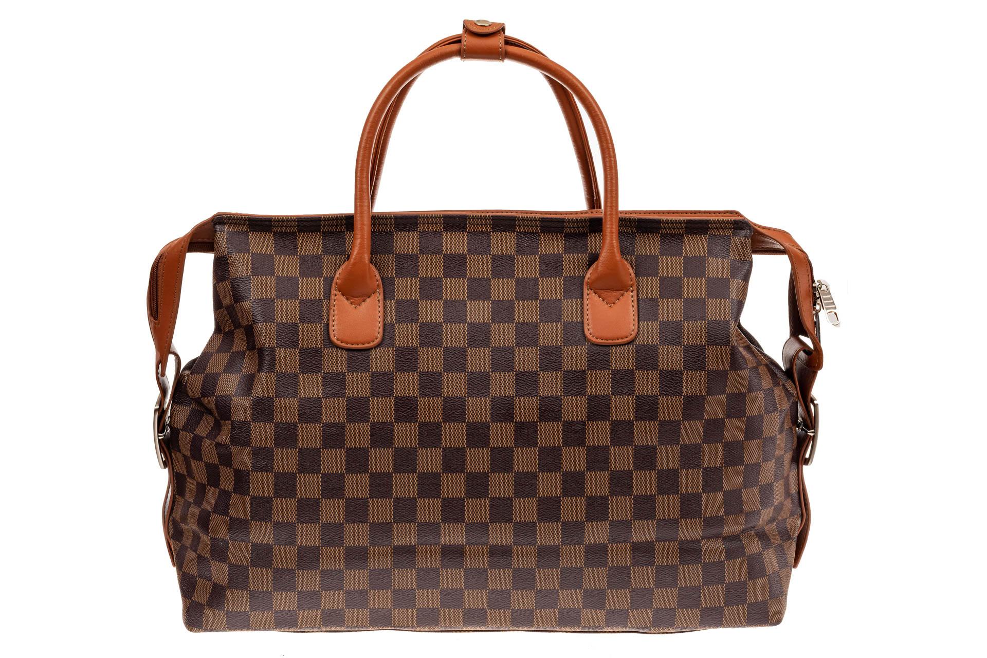 На фото 3 - Багажная сумка саквояж из искусственной кожи, цвет коричневый