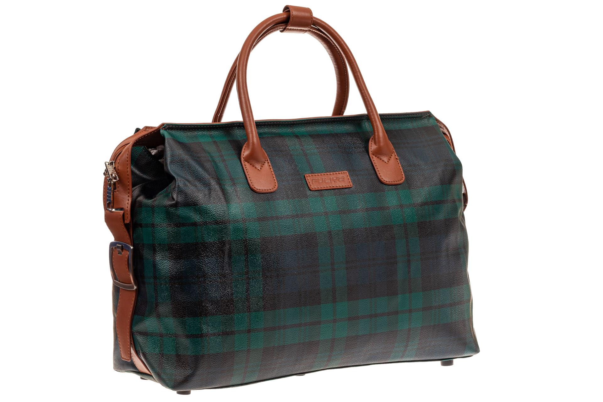 На фото 1 - Багажная сумка саквояж из искусственной кожи, цвет зеленый