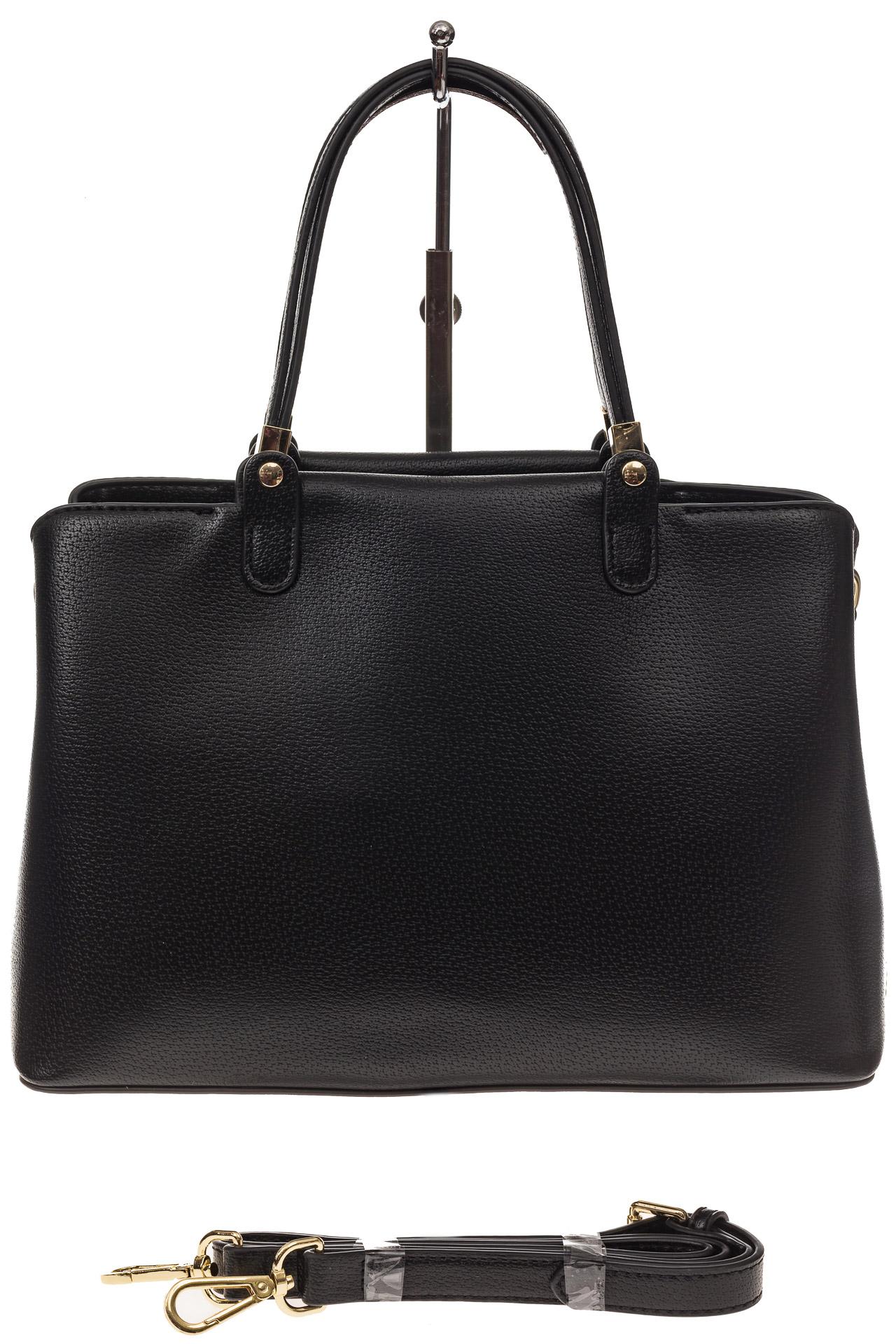 На фото 2 - Черная классическая сумка из искусственной кожи