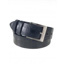 На фото 1 - Кожаный мужской ремень с геометрическим узором, цвет черный