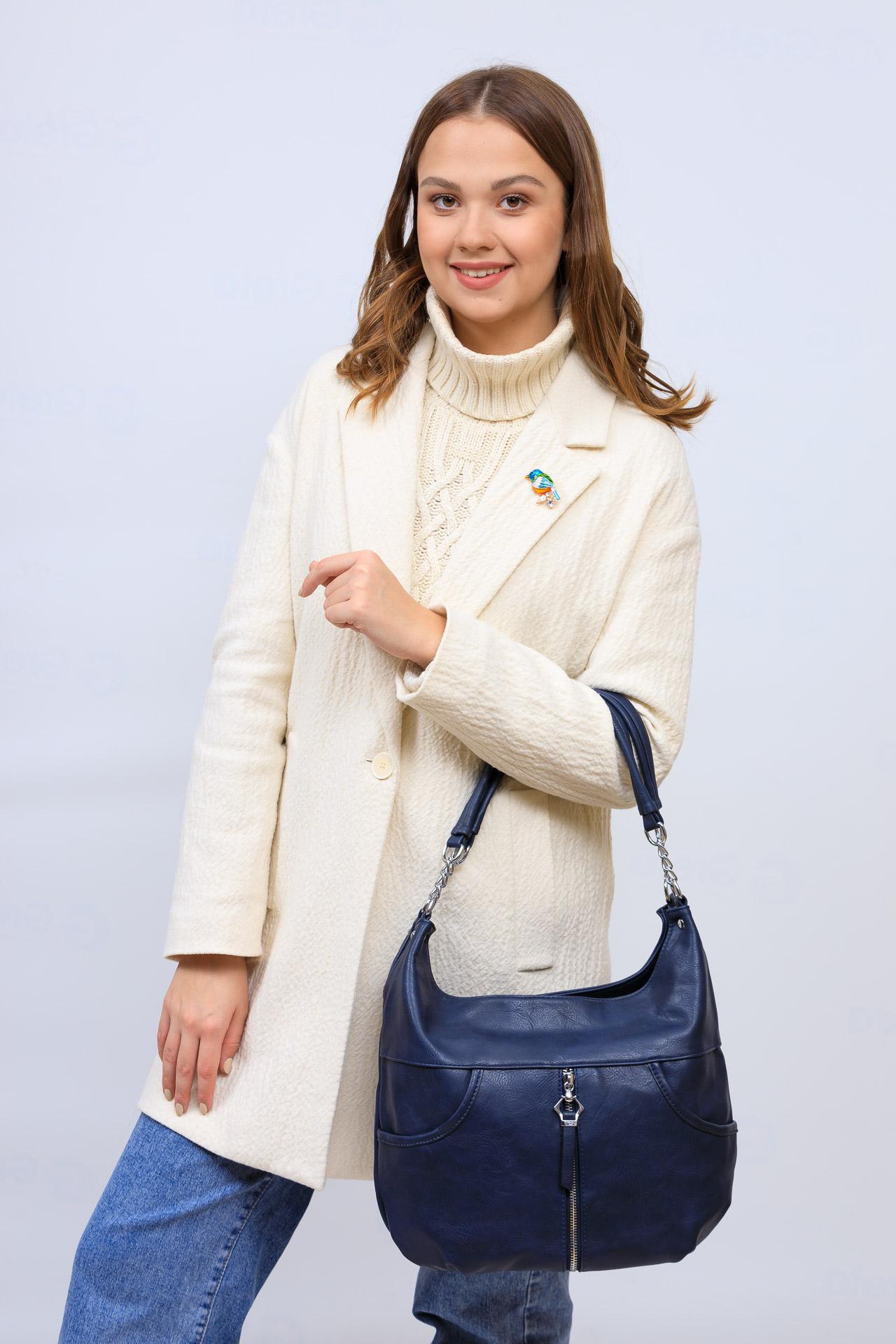 На фото 1 - Женская сумка хобо из искусственной кожи, цвет синий