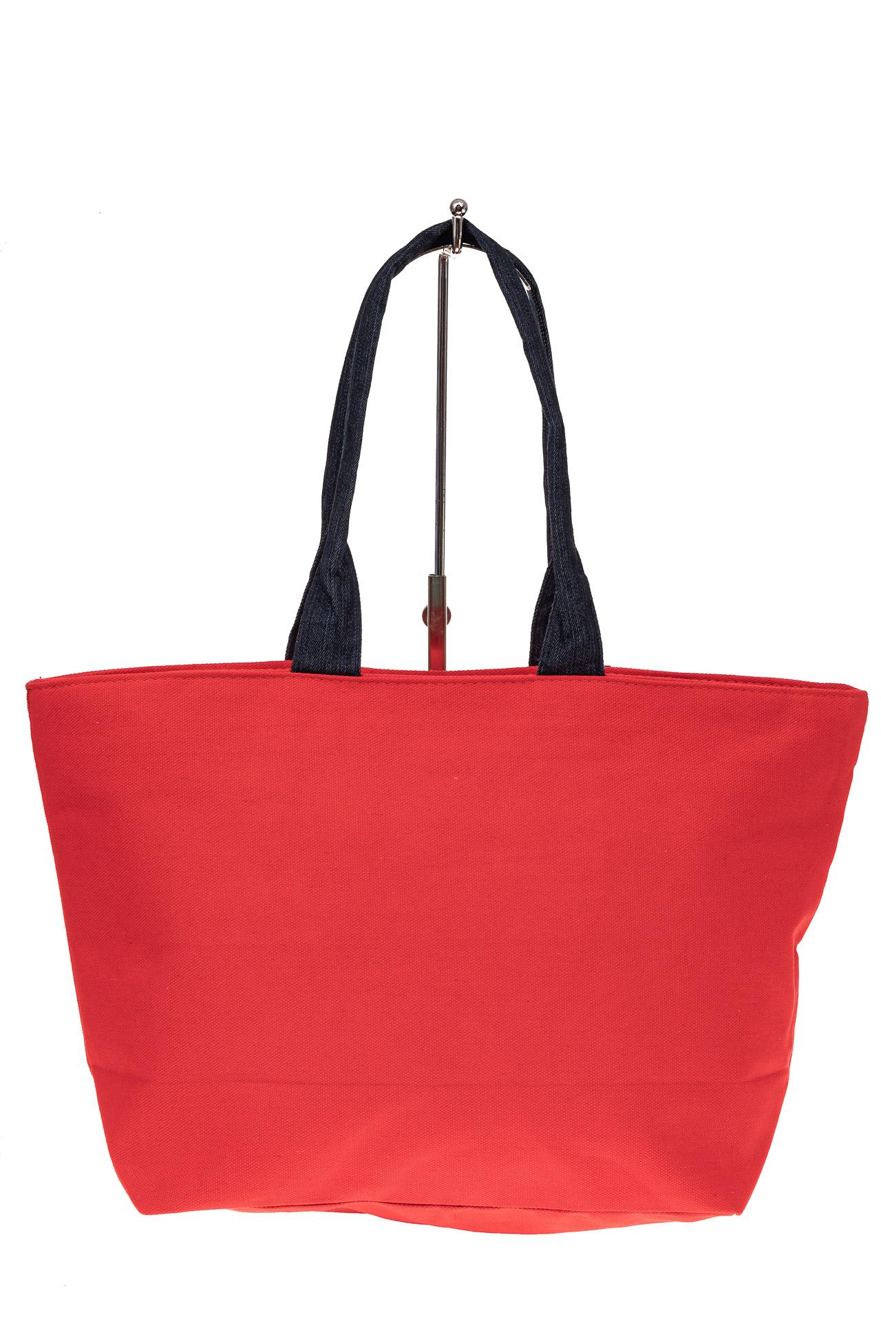 На фото 2 - Шоппер из текстиля с принтом-аппликацией, цвет красный