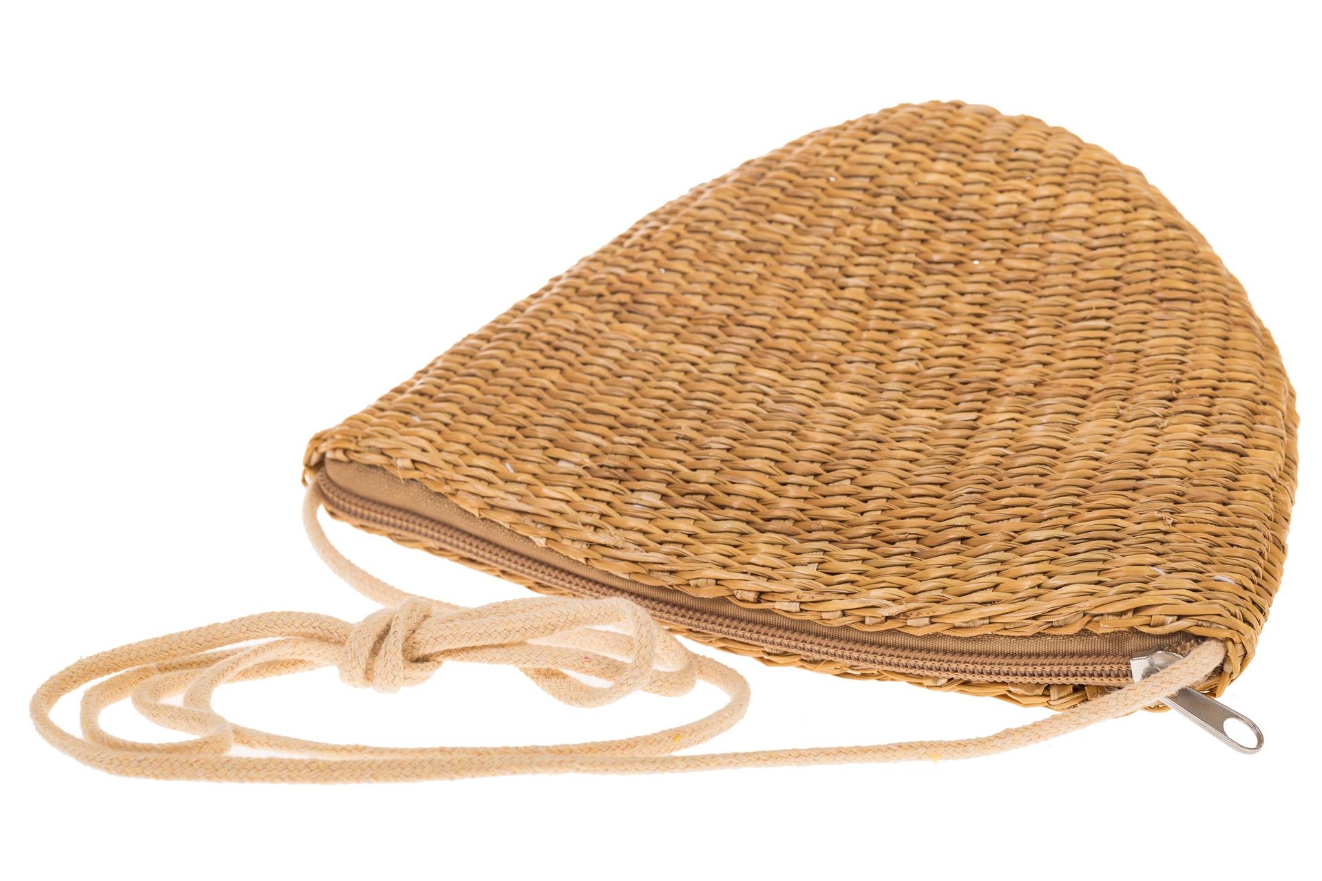 На фото 4 - Соломенная сумка-ведро коричневого цвета 3781
