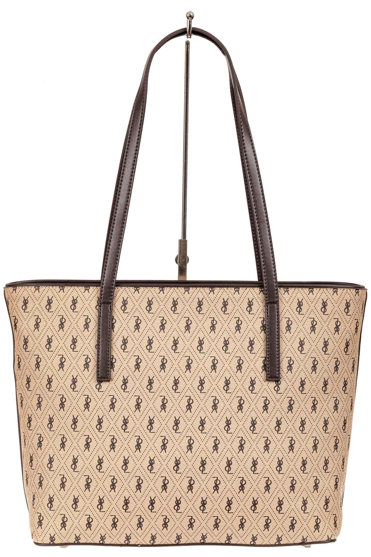 На фото 3 - Женская сумка шоппер из искусственной кожи, цвет бежевый с принтом