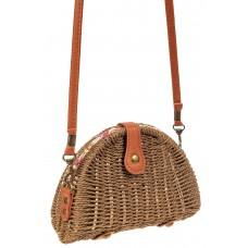 На фото 1 - Компактная соломенная сумка на длинном ремешке, цвет крафт