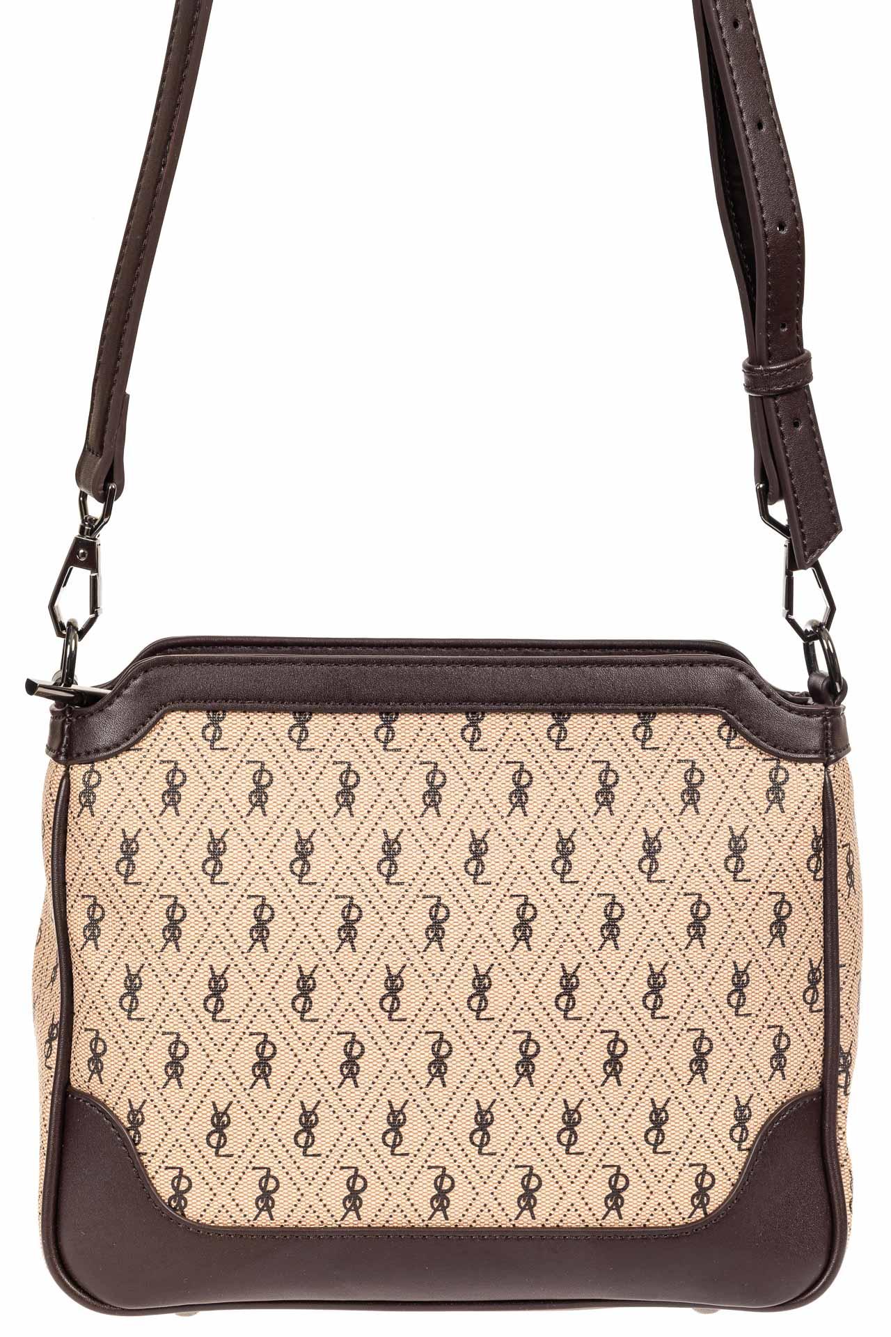 На фото 2 - Женская классическая сумка из кожзама, цвет бежевый