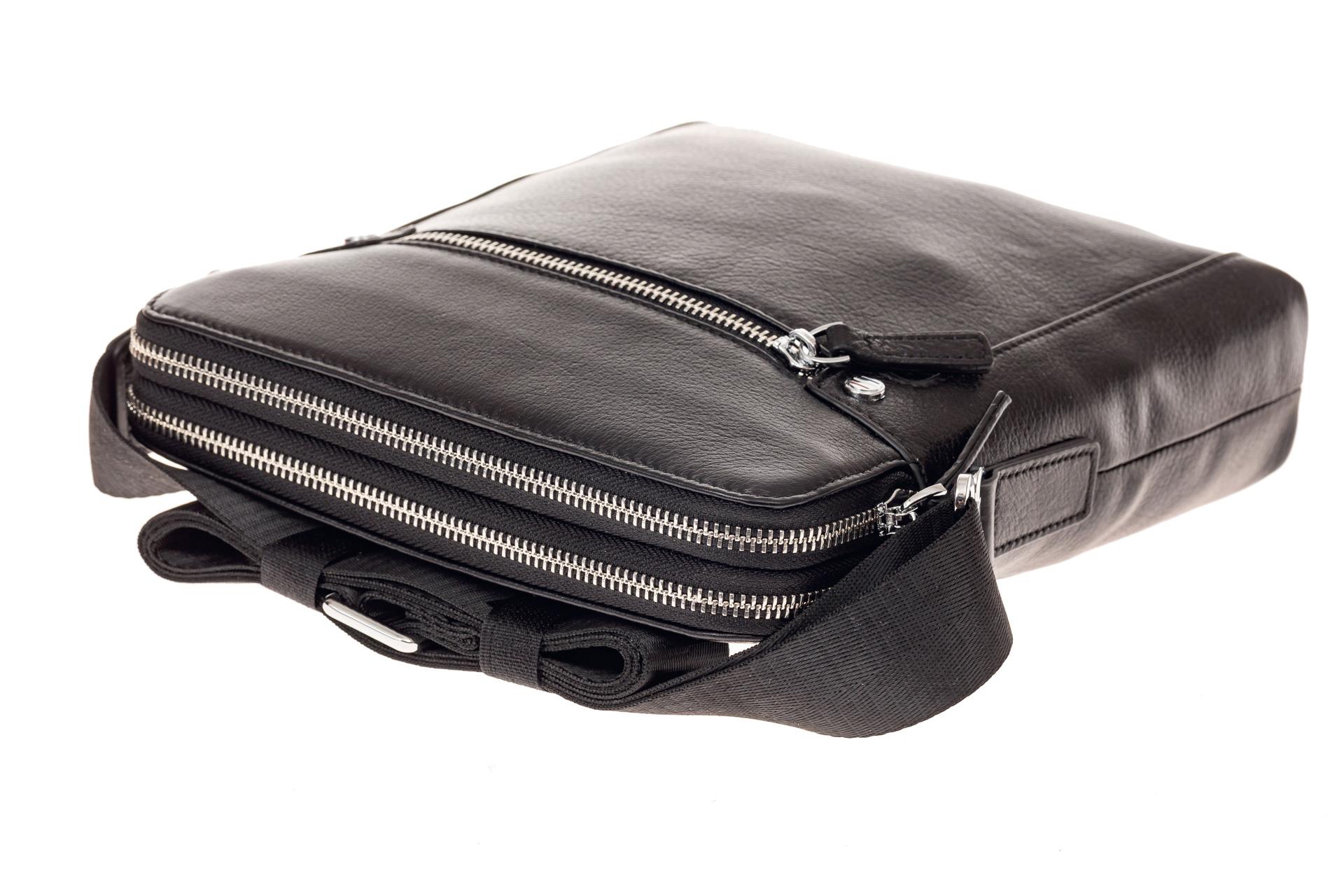 На фото 4 - Мужская сумка через плечо из натуральной кожи, цвет черный