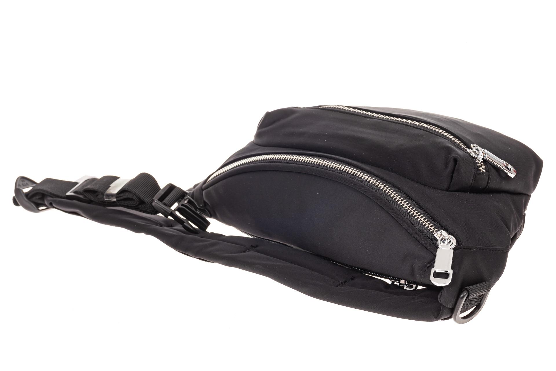 На фото 3 - Классическая поясная сумка из текстиля, цвет черный