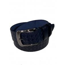 На фото 1 - Кожаный мужской ремень с плетёной фактурой, цвет тёмно-синий