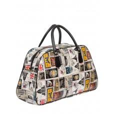 На фото 1 - Женская дорожная сумка из ПВХ с принтом, цвет белый