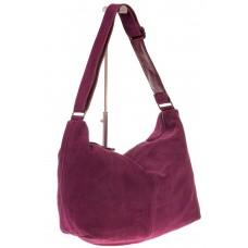 На фото 1 - Замшевая сумка хобо бордового цвета