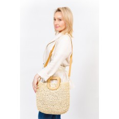 На фото 5 - Плетеная сумка тоут из джута с акцентной квадратной ручкой, цвет крафт