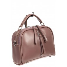 На фото 1 - Женская сумка-купол из искусственной кожи  с подвесками, цвет пыльная роза