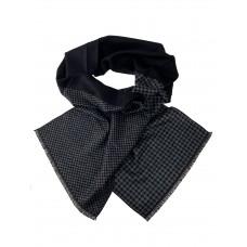 На фото 1 - Мужской шарф из кашемира с геометрическим орнаментом, мультицвет