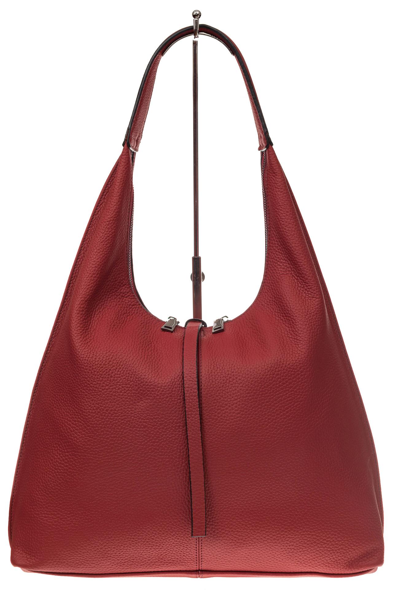 На фото 2 - Кожаная сумка хобо, цвет красный