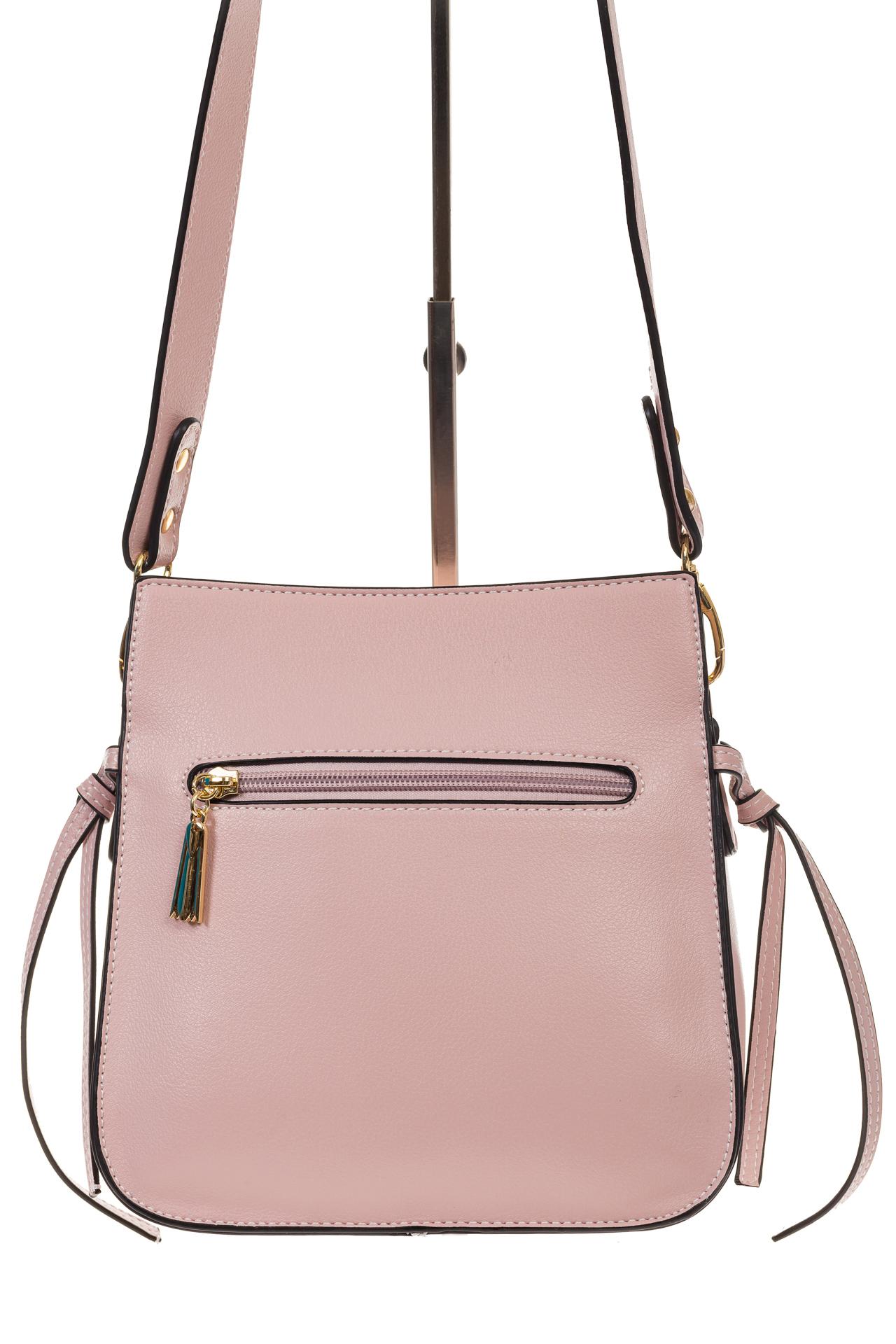 На фото 3 - Сумка через плечо розового цвета 5686