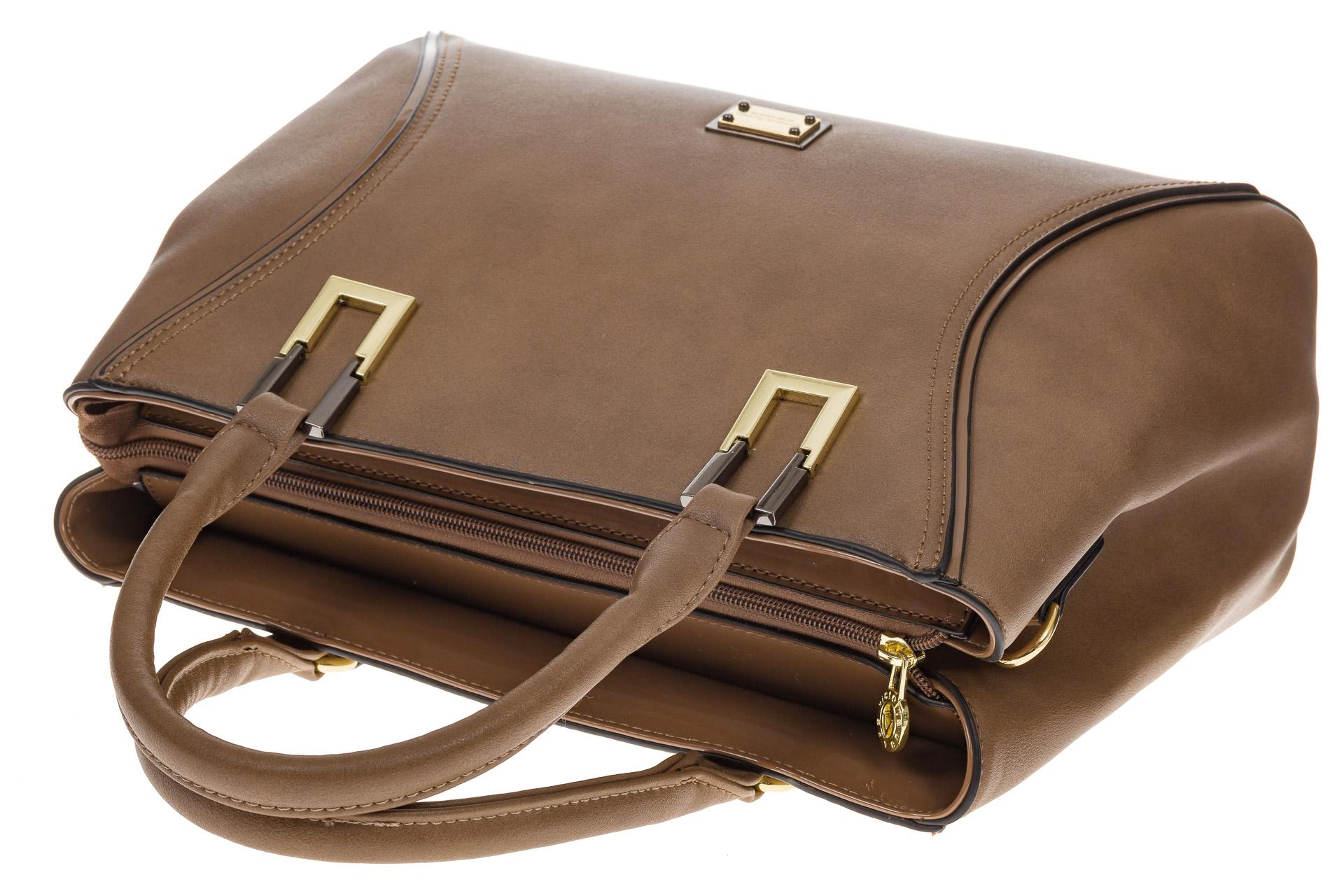 На фото 4 - Классическая женская сумка из искусственной кожи, цвет бежевый