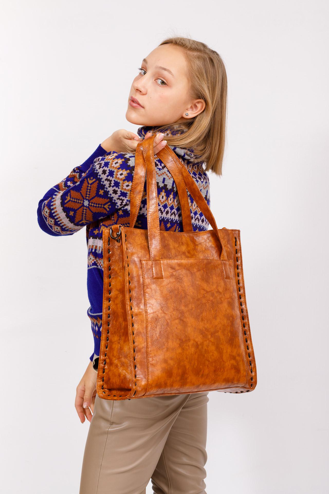 На фото 5 - Большая сумка женская из экокожи, рыжая
