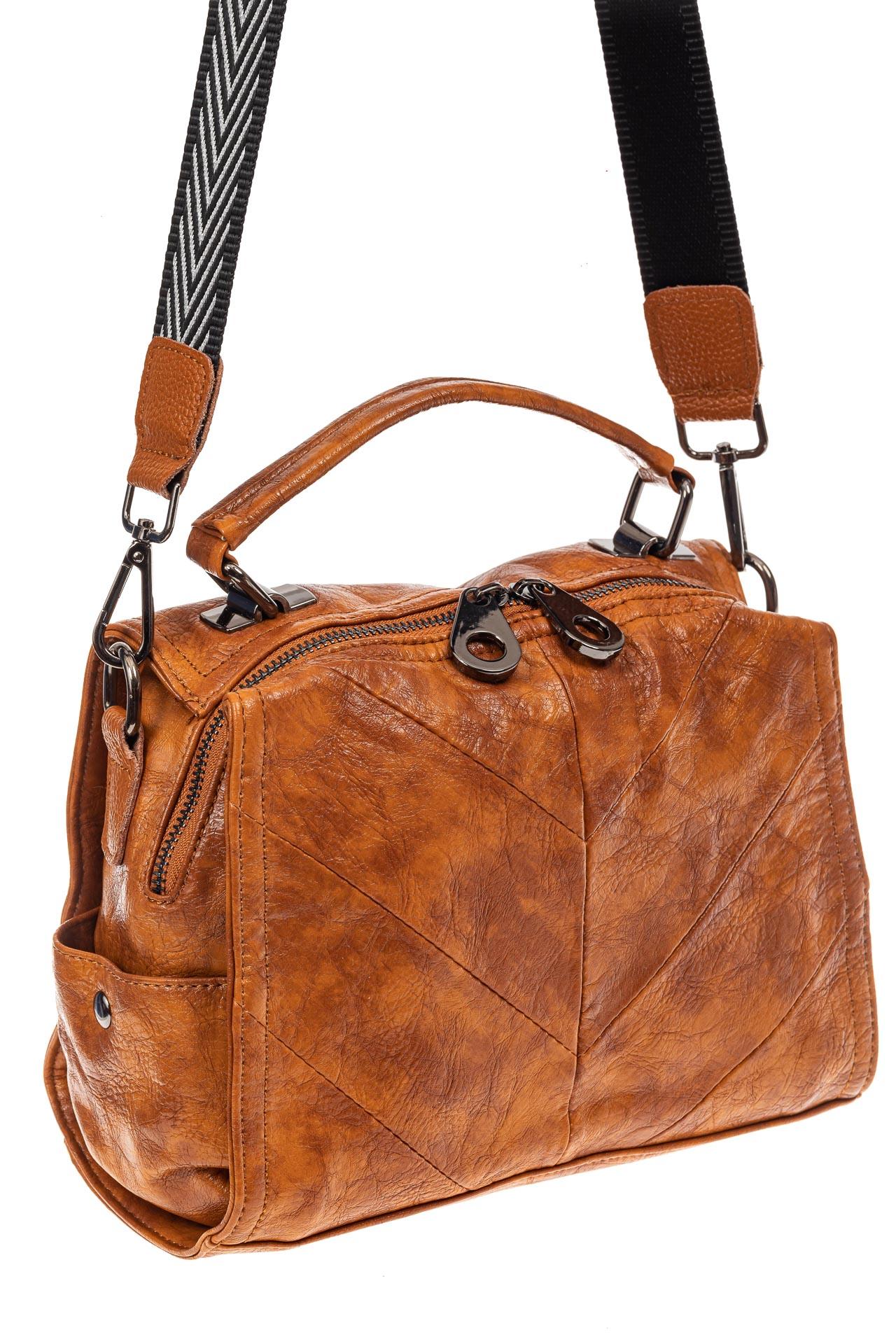 На фото 1 - Сумка женская рюкзак из искусственной кожи, цвет рыжий