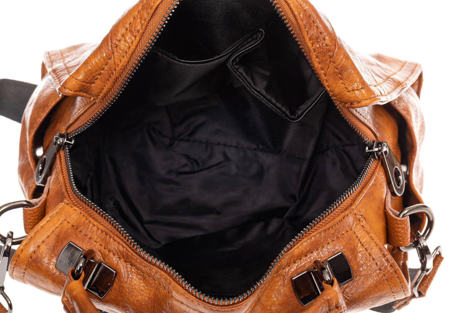 На фото 4 - Сумка женская рюкзак из искусственной кожи, цвет рыжий
