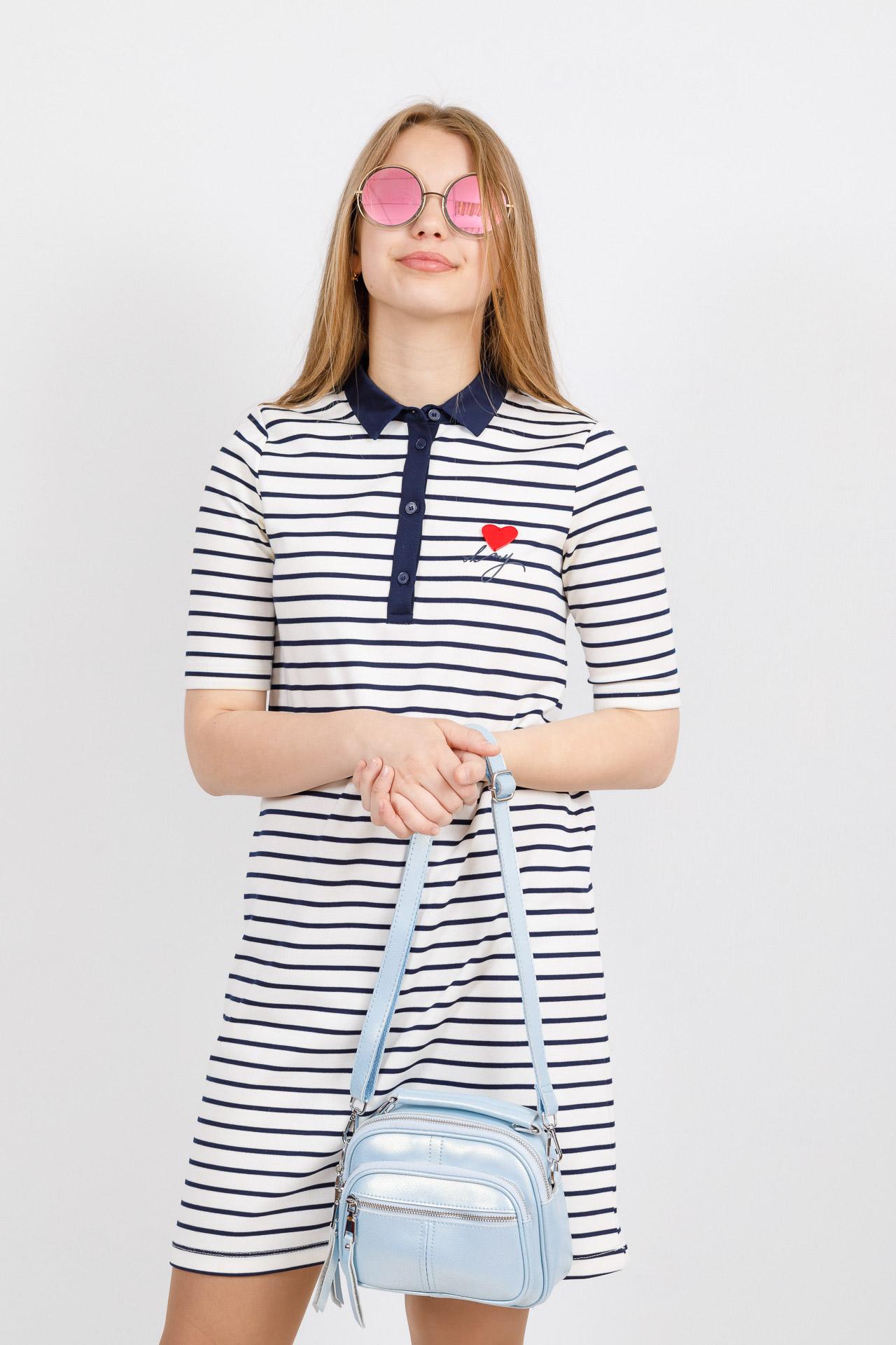 На фото 4 - Летняя сумка-малышка из натуральной кожи, цвет голубой
