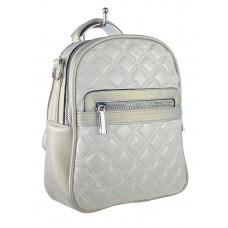 На фото 1 - Женская стёганая сумка-рюкзак из искусственной кожи, цвет серебристый