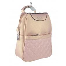 На фото 1 - Женский рюкзачок-трансформер из искусственной кожи со стёжкой, цвет розовый с перламутром
