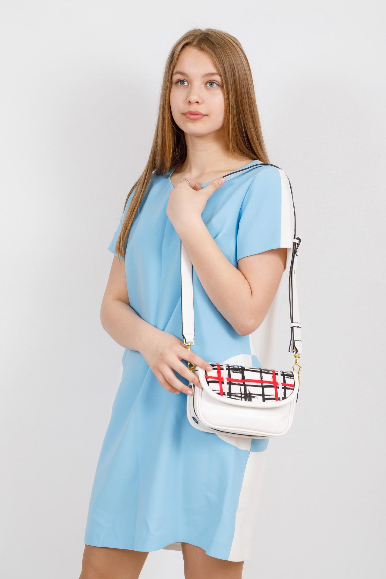 На фото 4 - Миниатюрная сумочка из искусственной кожи, цвет белый