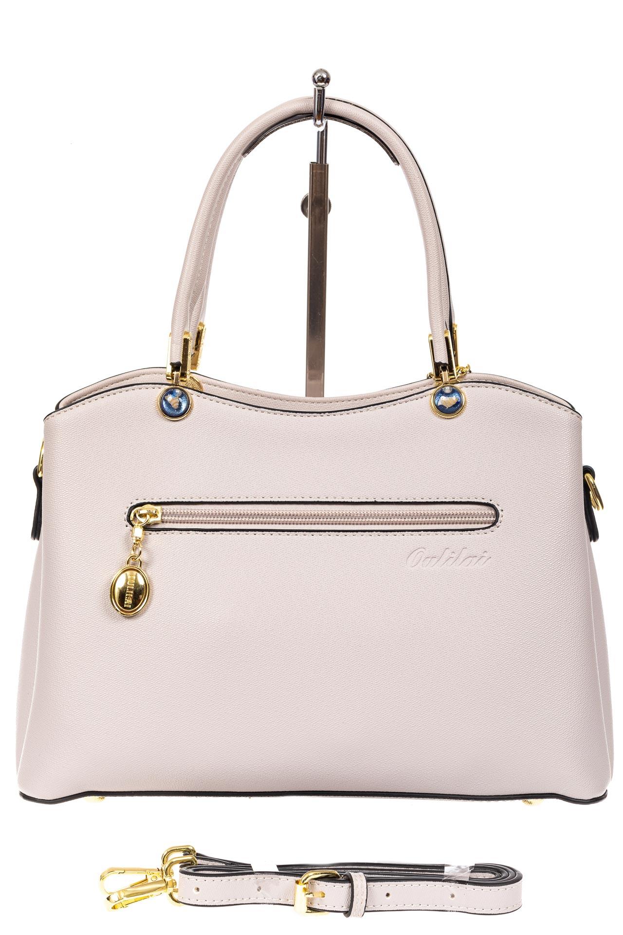 На фото 3 - Женская сумка тоут из кожзама с подвеской, цвет серо-белый