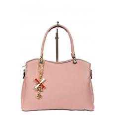 На фото 2 - Женская сумка тоут из кожзама с подвеской, цвет розовый