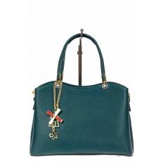 На фото 2 - Женская сумка тоут из кожзама с подвеской, цвет сине-зеленый