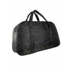 На фото 1 - Дорожная сумка из текстиля с принтом, цвет чёрный