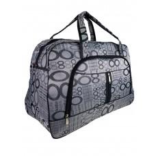 На фото 1 - Женская дорожная сумка из текстиля с принтом, цвет серый