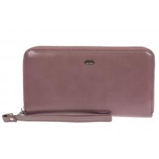 На фото 1 - Прямоугольное портмоне-клатч из кожи, цвет пудра