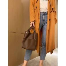На фото 1 - Женская сумка с ручками-трансформерами из натуральной кожи, цвет коричневый