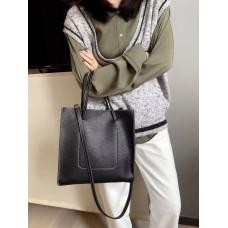 На фото 1 - Сумка-пакет женская из натуральной кожи, цвет чёрный